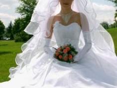Выбор свадебного платья. Шикарное платье.