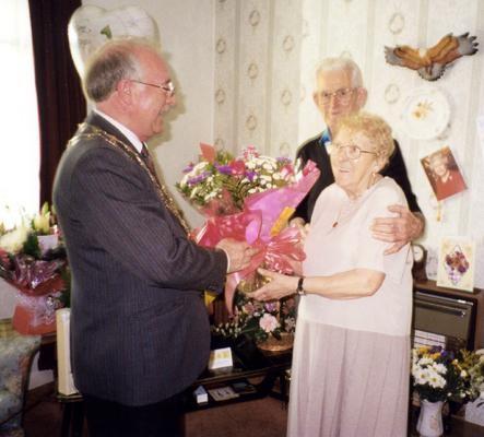 Годовщины свадеб. Дожили до юбилея вместе.
