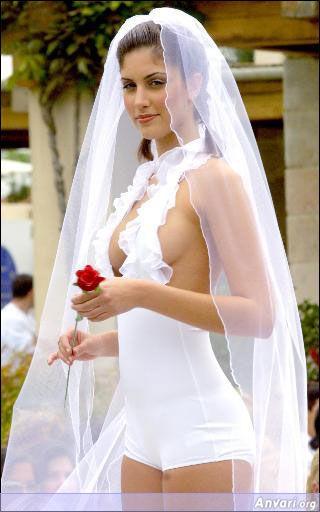 Выбор свадебного платья. Экстравагантное платье.
