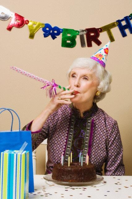 Шуточное поздравление с юбилеем 55 лет женщине сценарий